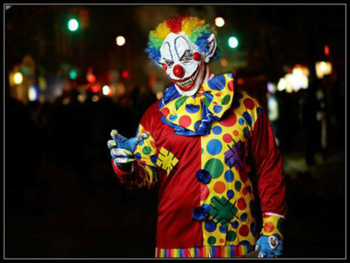 scary-clowns-halloween-parade-631