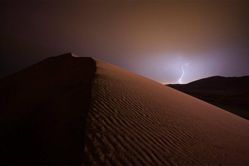 2-namibia-dune-lightning-43769_2_212515