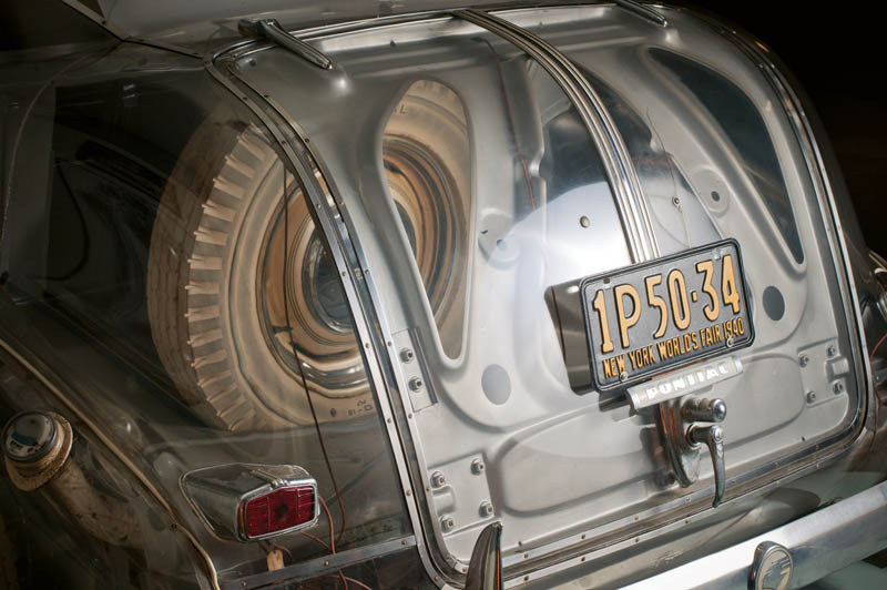 1939-pontiac-plexiglass-ghost-car-see-through-8