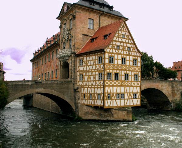 20070220211718_rathausonthebridge
