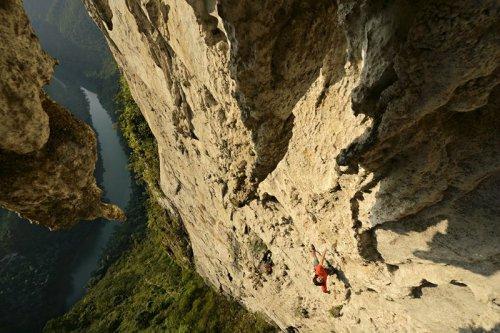 cedar-wright-climbing-china_81462_990x742
