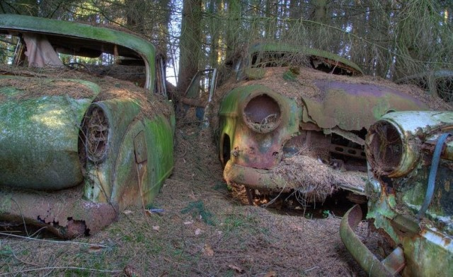 chatillon-car-graveyard-112-640x392