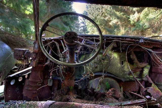 chatillon-car-graveyard-152-640x426