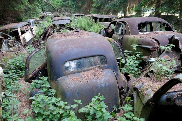 chatillon-car-graveyard-35-640x424