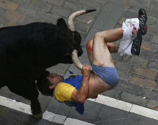 running-of-the-bulls-gore-9