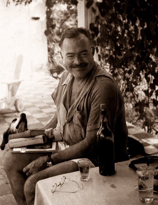 Ernest-Hemingway-with-dog--e1379403047520