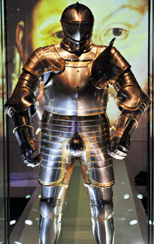 Henry-VIII-Dressed-to-Kil-001