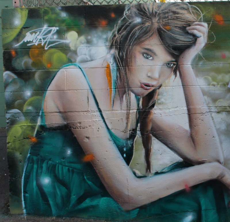 alley-painting-by-Voz