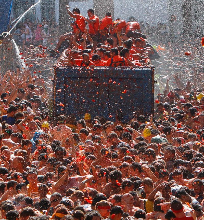 tomatina-festival-bunol-spain