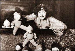 Rose O'Neill and her KuteKewpies.