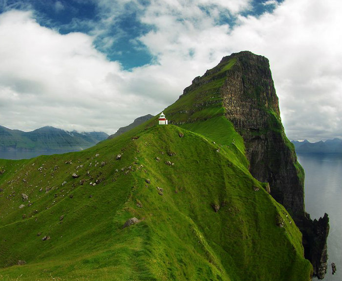 kallur-lighthouse-view_85707_990x742