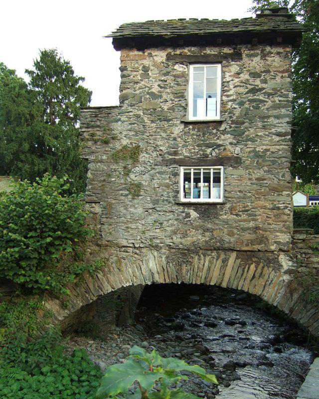 bridge-house-ambleside1