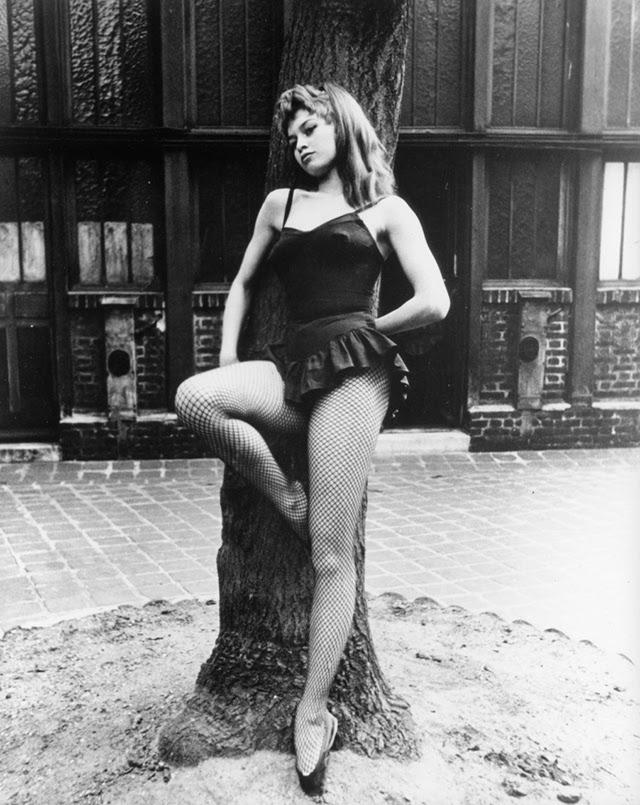 Brigitte Bardot as a Ballerina (10)