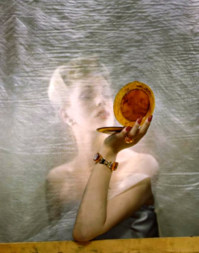 Fashion Photography from the 1940s and 1950s by Erwin Blumenfeld (18)