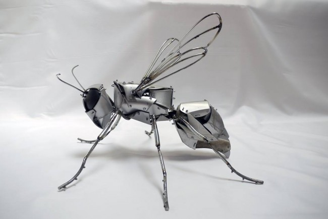Recycled-Art-Hornet-650x434