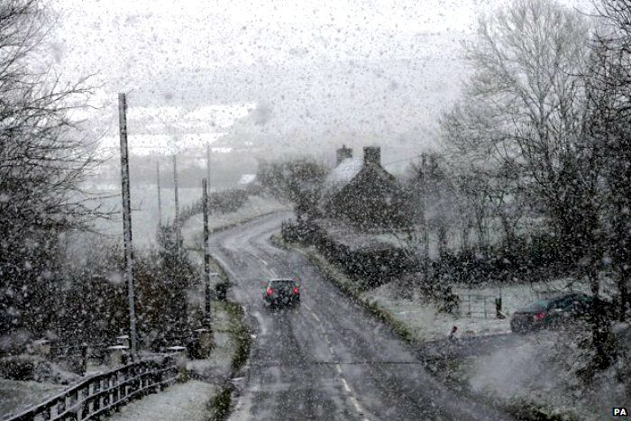 _80258596_snow-in-omagh