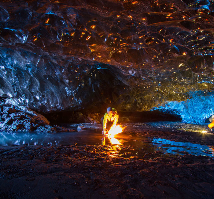 I-finally-visited-the-ice-caves-in-Iceland28__880