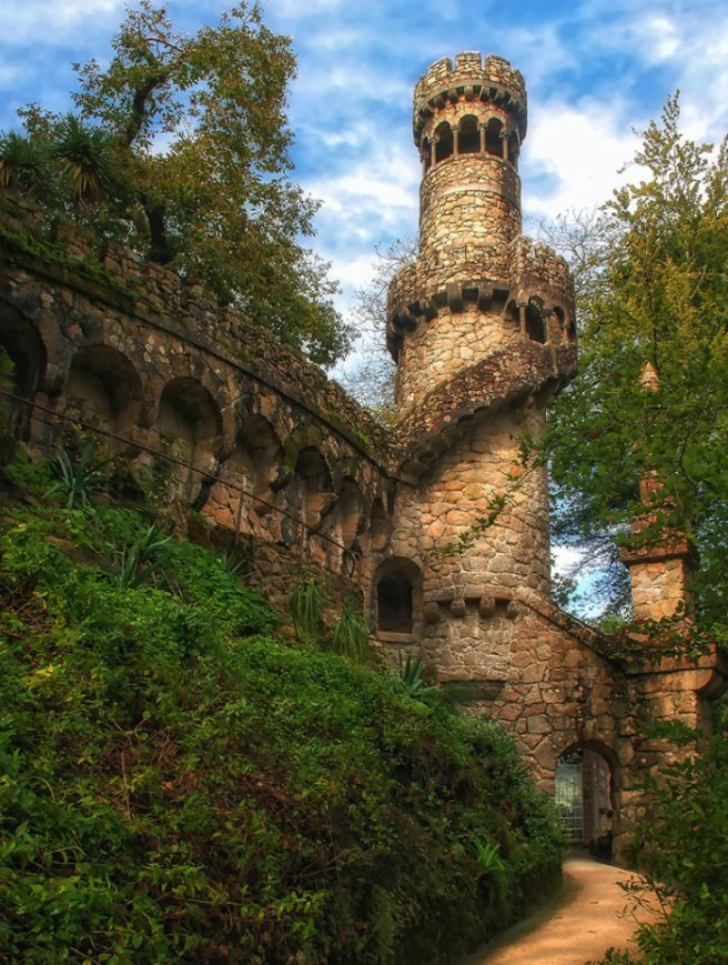 Palace-of-Mystery-Quinta-da-Regaleira-by-Taylor-Moore7__880