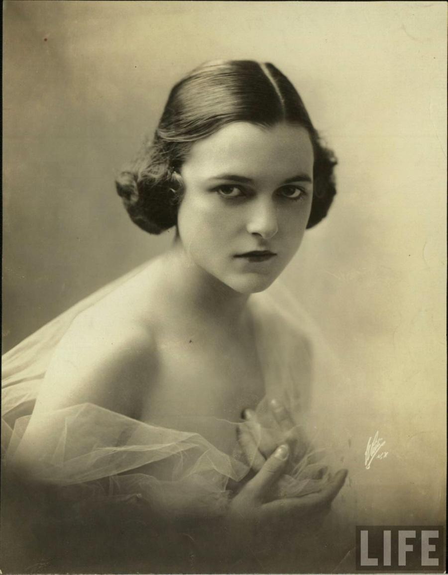 Bea Hair Women, ca. 1940s (1)