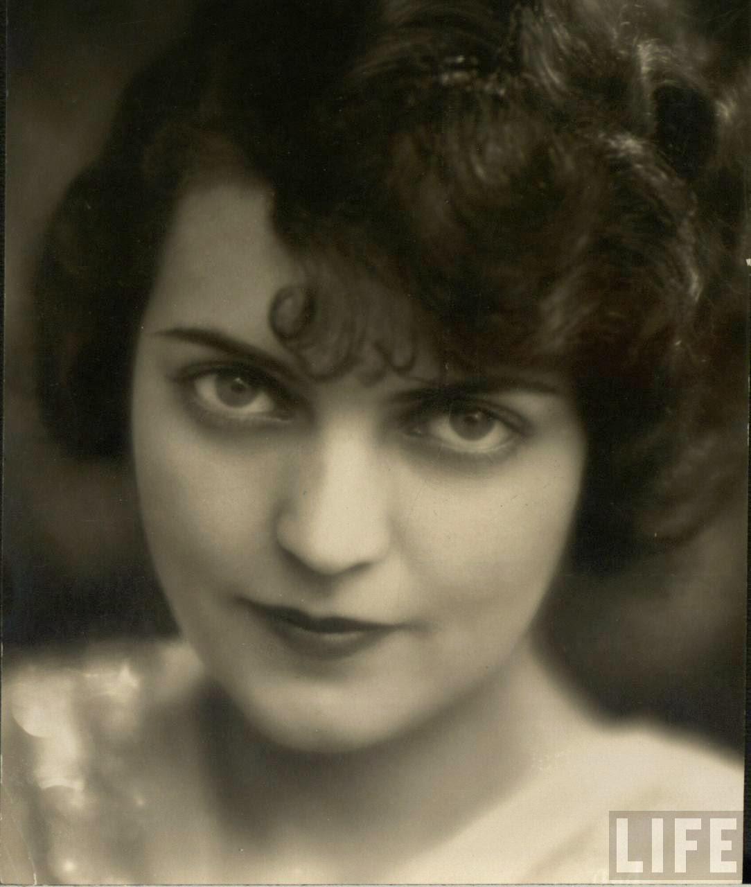 Bea Hair Women, ca. 1940s (23)