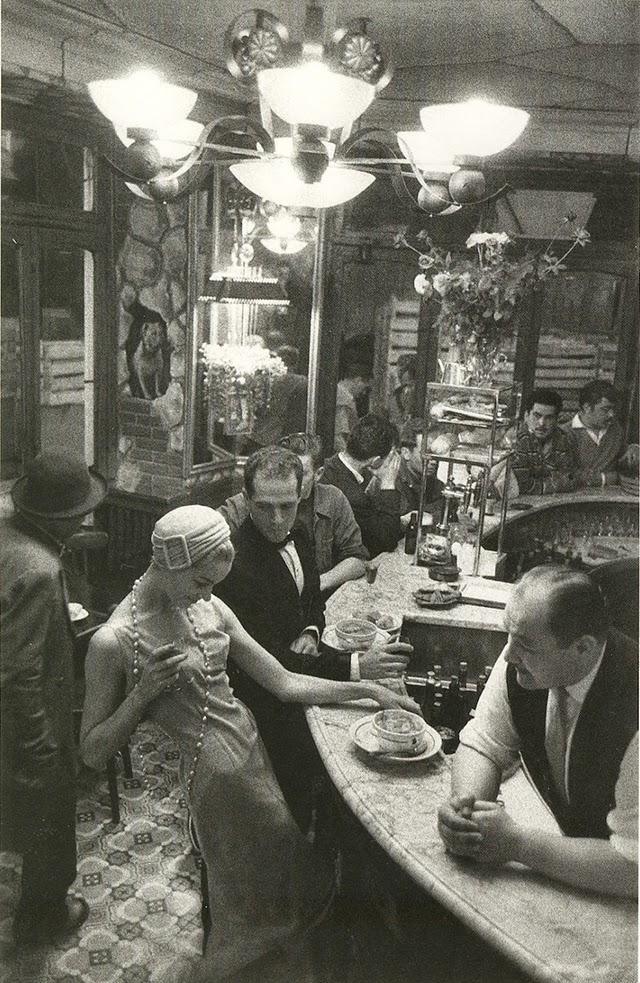 Street fashion, ca. 1920s (12)