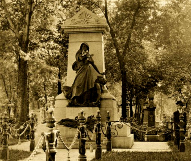 monument1912