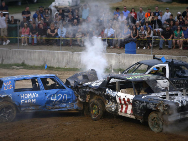 outrageous-photos-from-the-demolition-derby-at-new-jerseys-state-fair