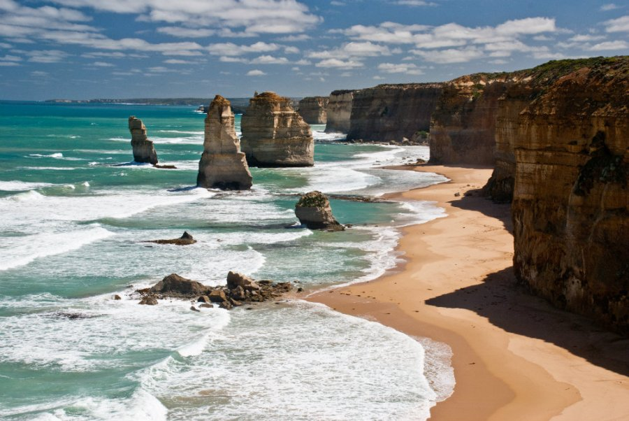 The_twelve_apostles_Victoria_Australia_2010