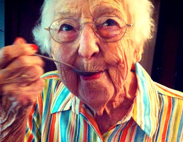 Grandma_icecream_KurpeDiem