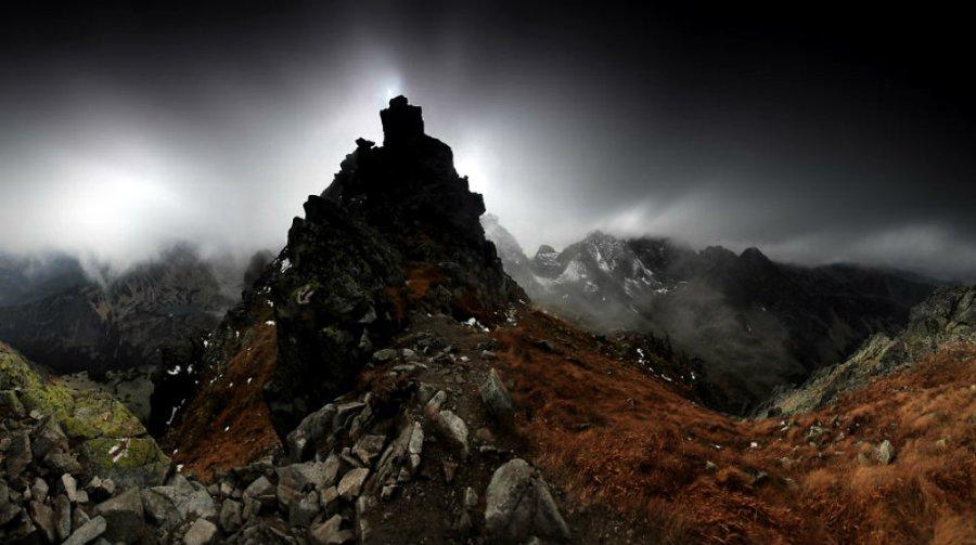 Karol-Nienartowicz-The-Polish-Adventurous-Mountain-Photographer58__880