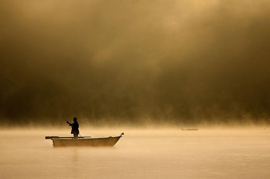 4.Fishing-in-haze__880