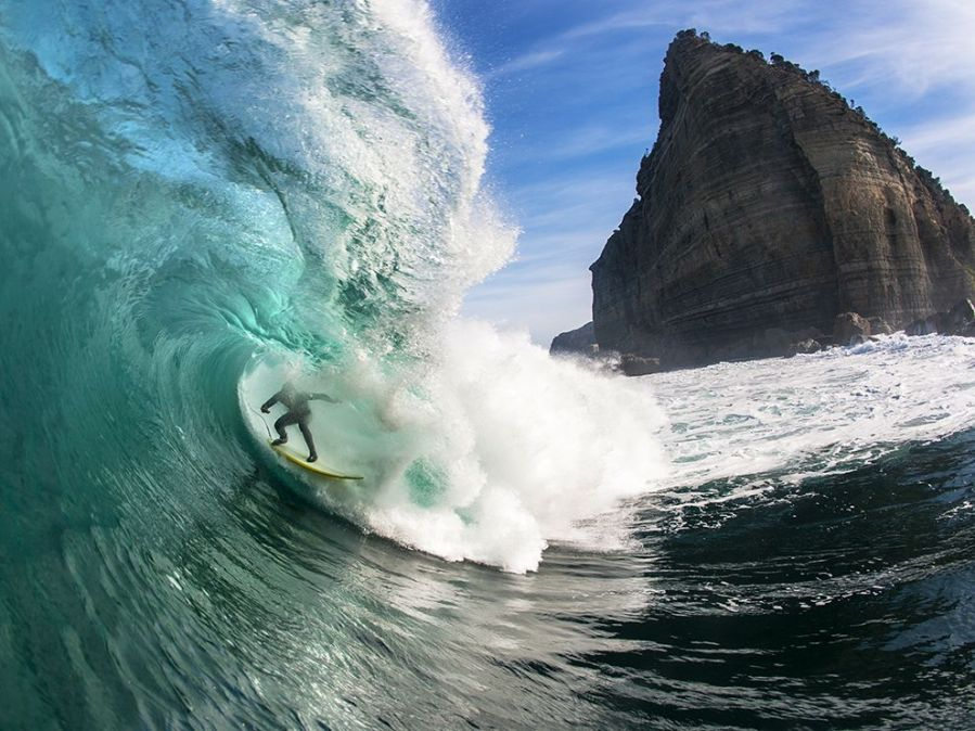 surfer-brook-phillips-australia_91303_990x742