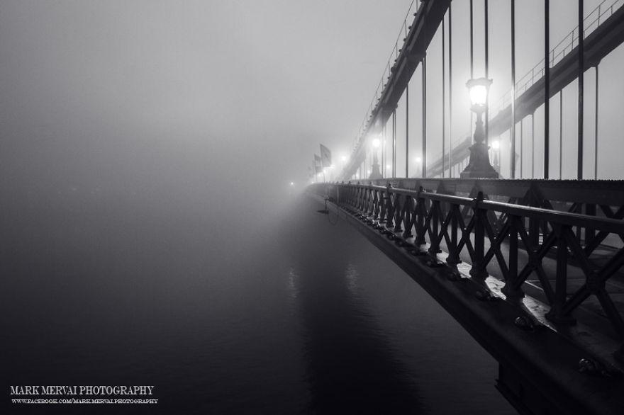 amazing-fog-painted-capital-16__880