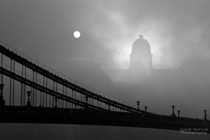 amazing-fog-painted-capital__880