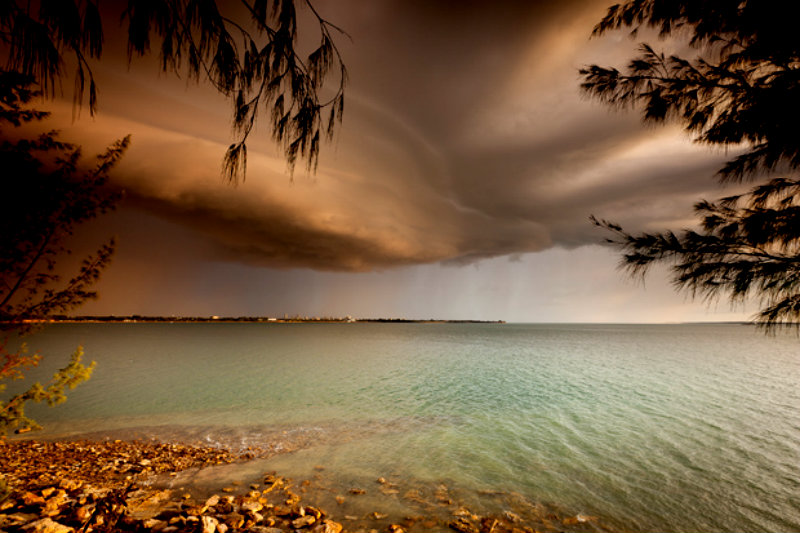 Shelf-Cloud-over-Darwin