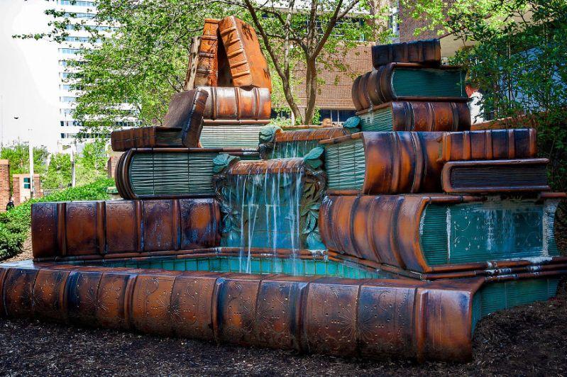 book-fountain-cincinnati-public-library-2__880
