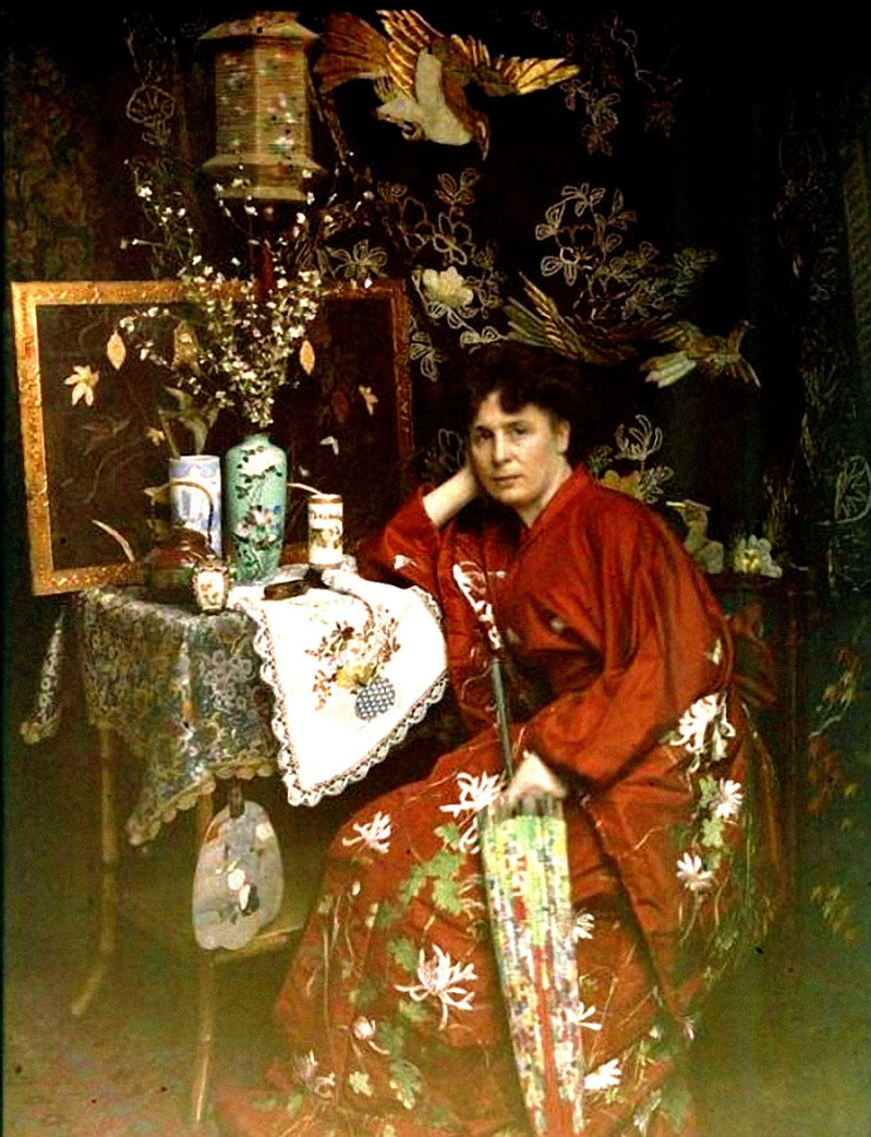 Women in Autochrome (1)