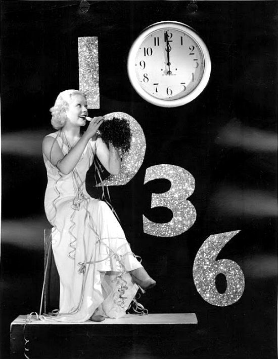 American Actresses Greeting New Year in the Past (1)