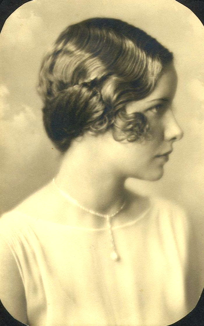 Short Curly Hair in the 1930s (5)