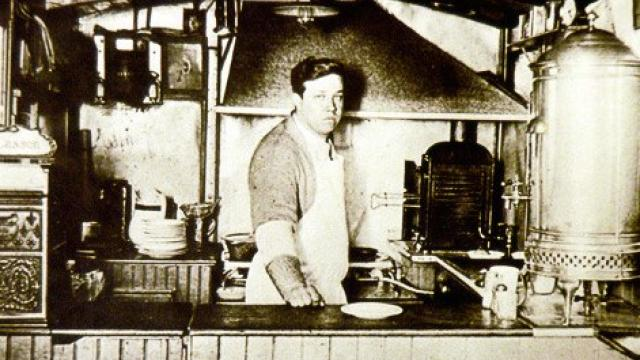 A History of the Hamburger. – THE OLD GUV LEGENDS