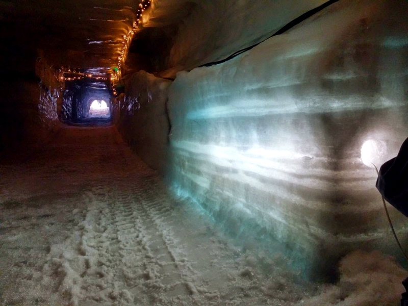 ice-cave-lighting-design-960x720