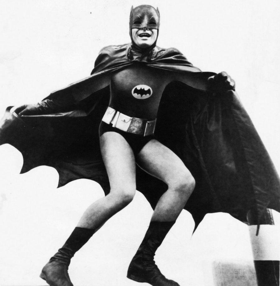 adam_west_batman_1966_movie_promo_photo