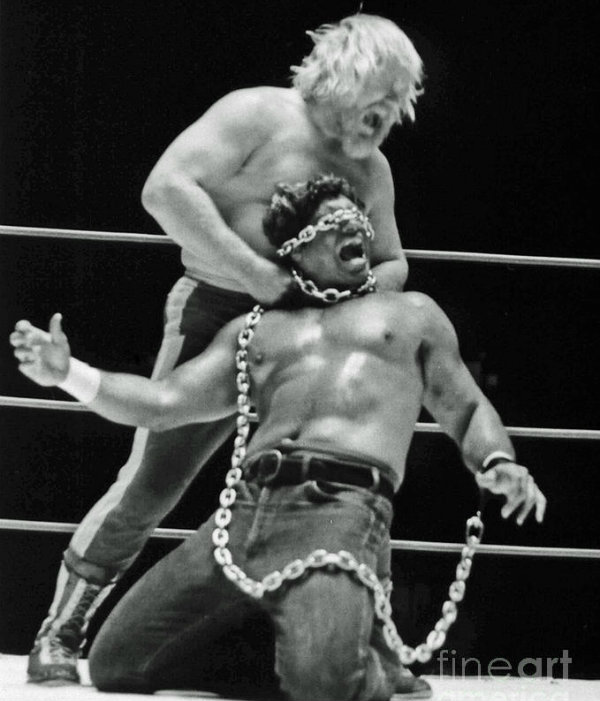 old-school-wrestling-chain-match-between-moondog-mayne-and-don-muraco-jim-fitzpatrick