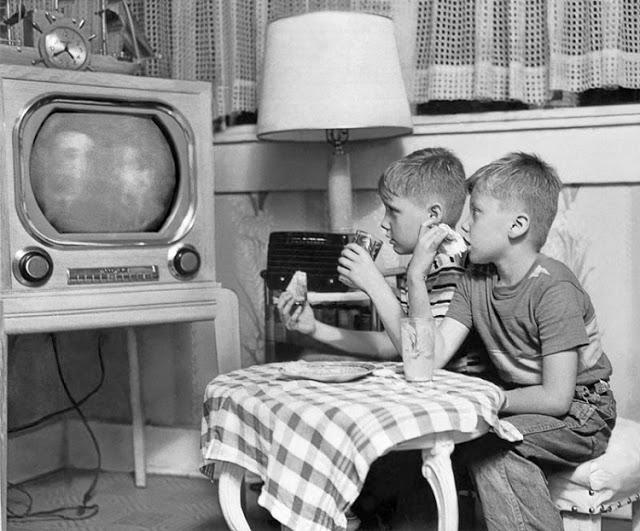 children2bwatching2btv2bin2bthe2bpast2b252842529