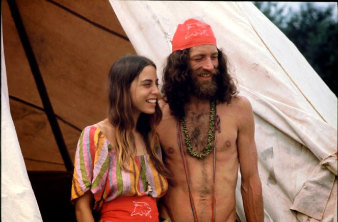 girls-of-woodstock-1969-18