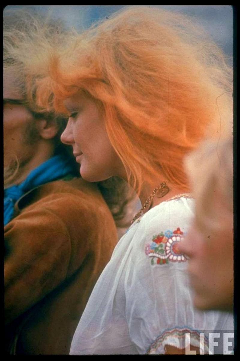 girls-of-woodstock-1969-40