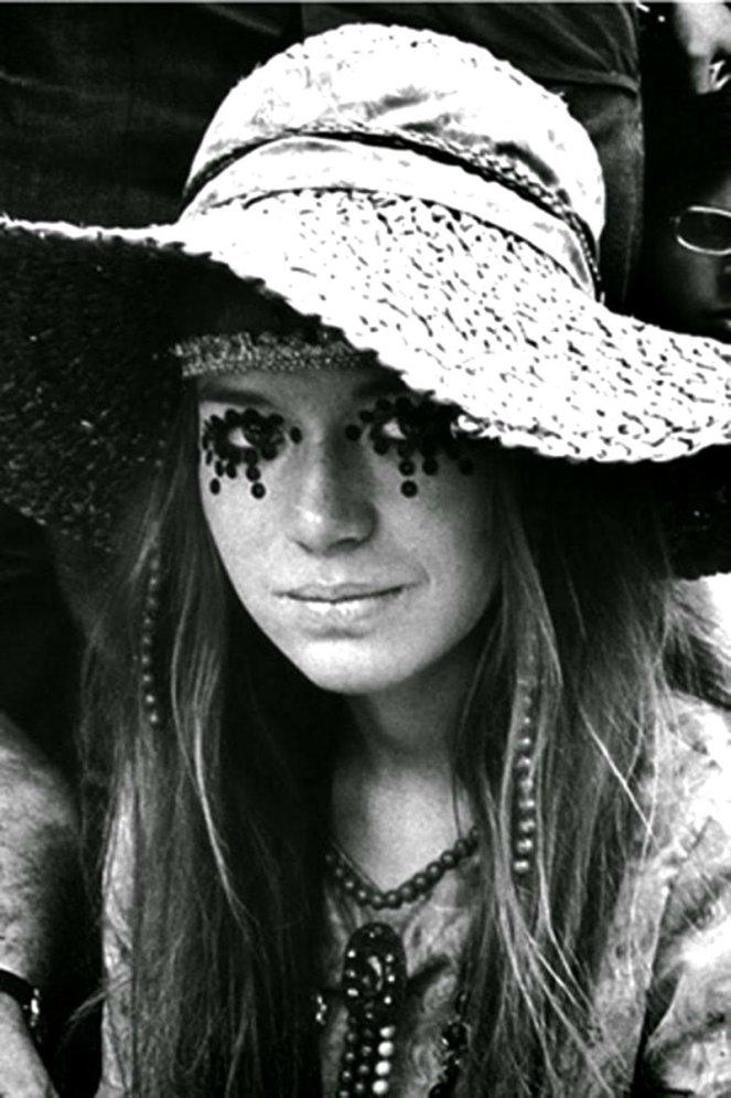 girls-of-woodstock-1969-41