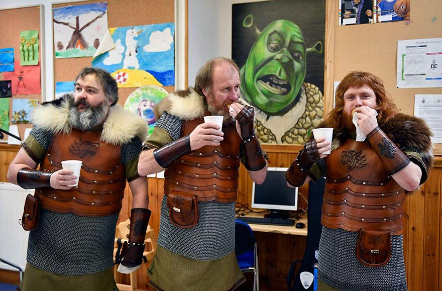 vikings-up-helly-aa-festival-shetland-scotland-11